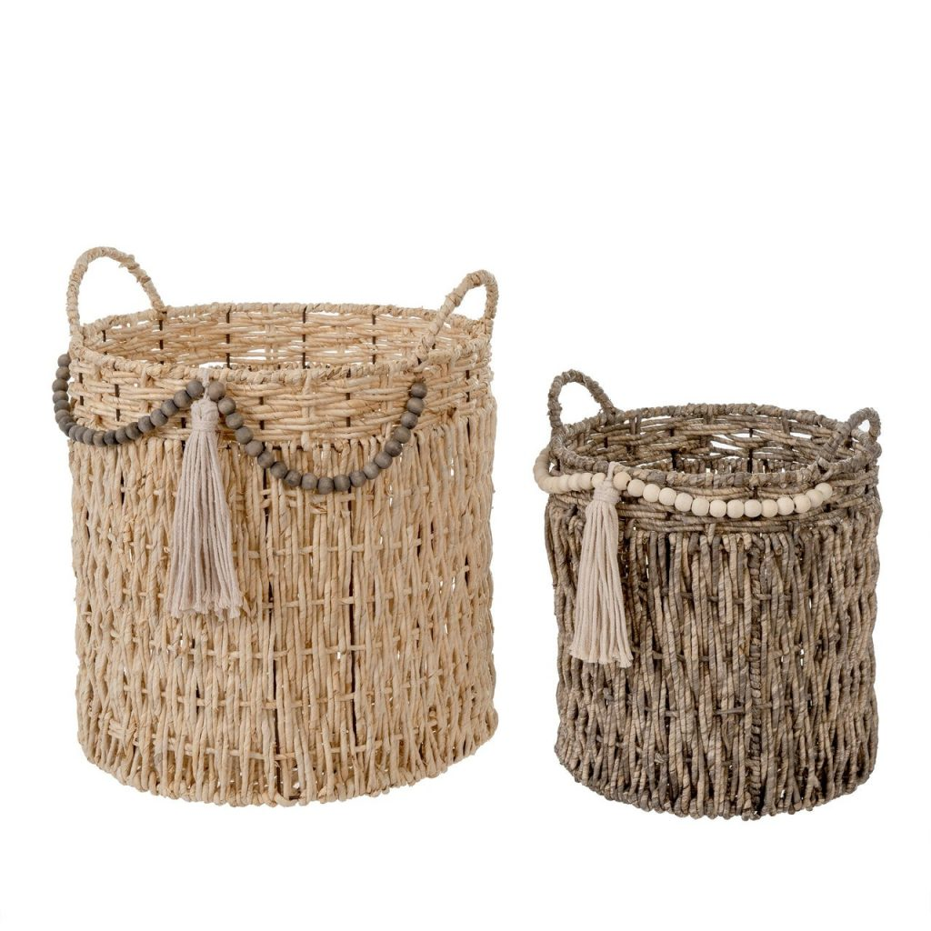 Set of 2 wicker style bohemian baskets with tassels and handles